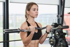 Exercício atlético da menina fotos de stock