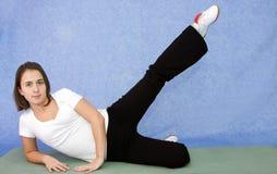 Exercício bonito da mulher nova Imagem de Stock