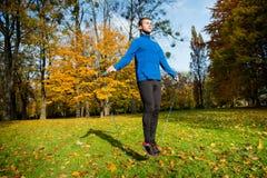 Exercício com corda de salto fotografia de stock