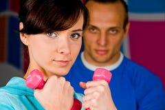 Exercício com instrutor pessoal Foto de Stock Royalty Free