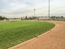 Exercício da High School de Edgewood e campo de esporte Imagem de Stock