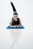 Exercício da jovem mulher Foto de Stock Royalty Free