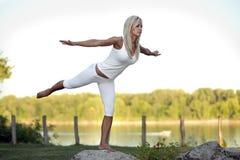 Exercício da jovem mulher Imagem de Stock Royalty Free