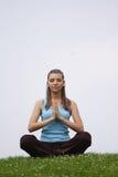 Exercício da meditação ao ar livre foto de stock royalty free