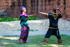 Exercício dos lutadores para a demonstração tradicional tailandesa da arte marcial Imagem de Stock