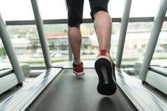 Exercício em um close-up da escada rolante Imagens de Stock Royalty Free