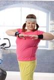 Exercício gordo feliz da mulher Foto de Stock Royalty Free