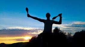 Exercício masculino novo da silhueta Fotografia de Stock Royalty Free