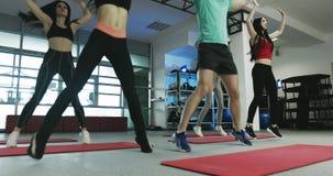 Exercício no gym da aptidão filme