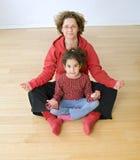 Exercício da matriz e da criança Fotos de Stock Royalty Free