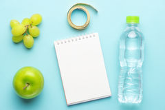 Exercício e aptidão que fazem dieta, conceito planeando da dieta do controle Fotografia de Stock Royalty Free