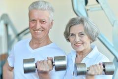 Exercice aîné de couples Images stock