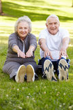 Exercice aîné de couples Photographie stock