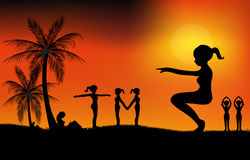 Exercice au coucher du soleil Image libre de droits