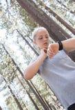 Exercice de jeune fille Photo stock