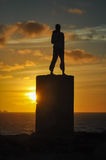 Exercice pendant le coucher du soleil Photo libre de droits