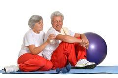Exercice plus âgé de couples Photo stock