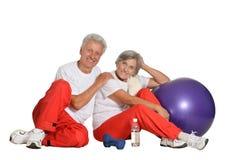 Exercice plus âgé de couples Photos stock