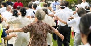 Exercice pour les personnes âgées Photo libre de droits