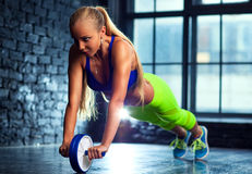 Exercices abdominaux Image libre de droits