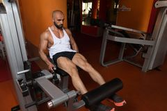 Exercices de jambe de séance d'entraînement en gros plan Photos stock