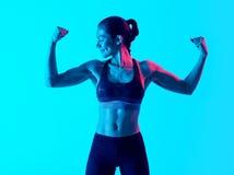 Exercices exercsing de la aptitud de la mujer muscular aislados Imagenes de archivo
