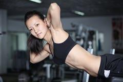 Exercices pour renforcer les muscles abdominaux Images stock