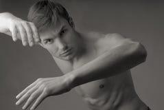 Exercices rhythmiques d'homme Photos libres de droits