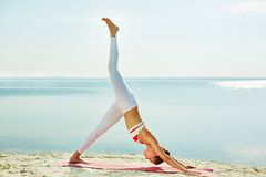 Exercising by the seaside Royalty Free Stock Photography