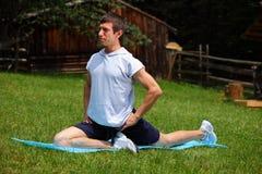 Exercitando a aptidão no parque Imagem de Stock Royalty Free