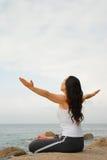 Exercizer de la yoga foto de archivo libre de regalías