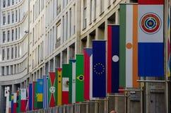 Exfo-Flaggen in Mailand Lizenzfreie Stockbilder