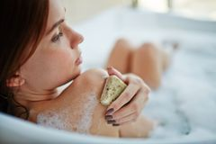 Exfoliating shoulders Royalty Free Stock Photography