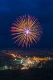 Exhibición colorida de los fuegos artificiales en Chiangmai Imagen de archivo