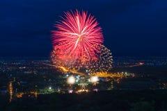 Exhibición colorida de los fuegos artificiales en Chiangmai Foto de archivo