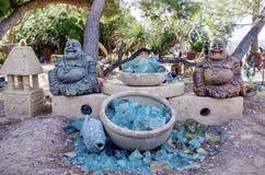 Exhibición de la escultura del jardín de Buda en Nevada Cactus Nursery imagen de archivo