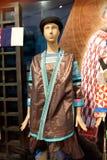 Exhibición de la ropa de Hmong en Guizhou, China Fotos de archivo