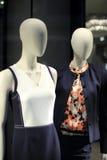 Exhibición de la tienda de la ropa Imagenes de archivo