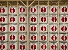 Exhibición de los barriles del motivo en el pabellón japonés en la expo 2015 Imágenes de archivo libres de regalías