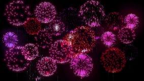exhibición de los firewoks 4K fireckrackers coloridos en la noche del día de fiesta Versión 1 almacen de video