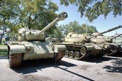 Exhibición de los tanques viejos en museo Imagen de archivo