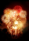 Exhibición de oro hermosa de los fuegos artificiales Fotografía de archivo