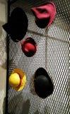 Exhibición de sombreros fotos de archivo