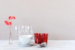 Exhibición decorativa de Navidad en la tabla con la flor Fotografía de archivo