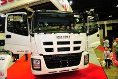 Exhibición del camión de Isuzu durante el Singapur Motorshow 2016 Imagen de archivo