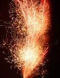 Exhibición del fuego artificial que ciega Imagenes de archivo