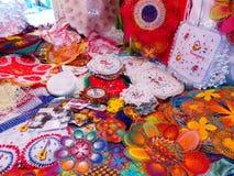 Exhibición del nanduti en el mercado callejero en Asuncion, Paraguay Fotos de archivo libres de regalías