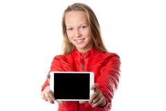 Exhibición en blanco de la tableta de la demostración de la muchacha Fotos de archivo