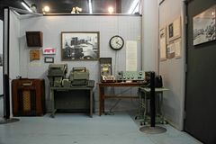Exhibición en el museo y el centro de investigación internacionales, Roswell, New México del UFO fotos de archivo