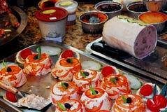 Exhibición hermosa de Francia A de comidas gastrónomas preparadas imagen de archivo libre de regalías
